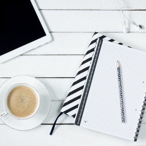 tablet-notes-coffee-work-desk-163146